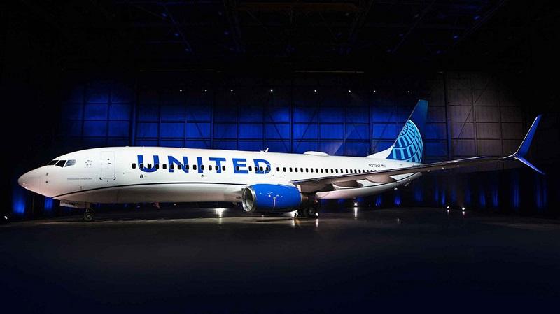 La compagnie se sépare de la couleur or, mais conserve le globe terrestre de son logo sur l'empennage de l'avion - DR : United Airlines