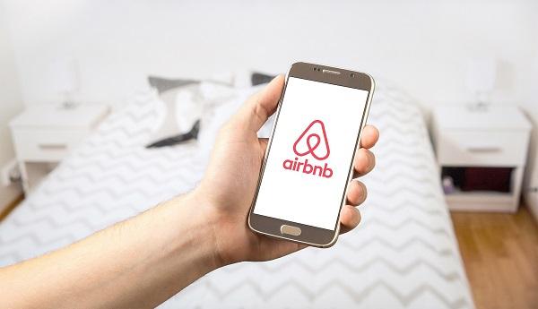 Marriott vs Airbnb : l'hôtelier s'attaque à la location d'hébergements privés, Airbnb contre-attaque - Crédit photo : TeroVesalainen de Pixabay