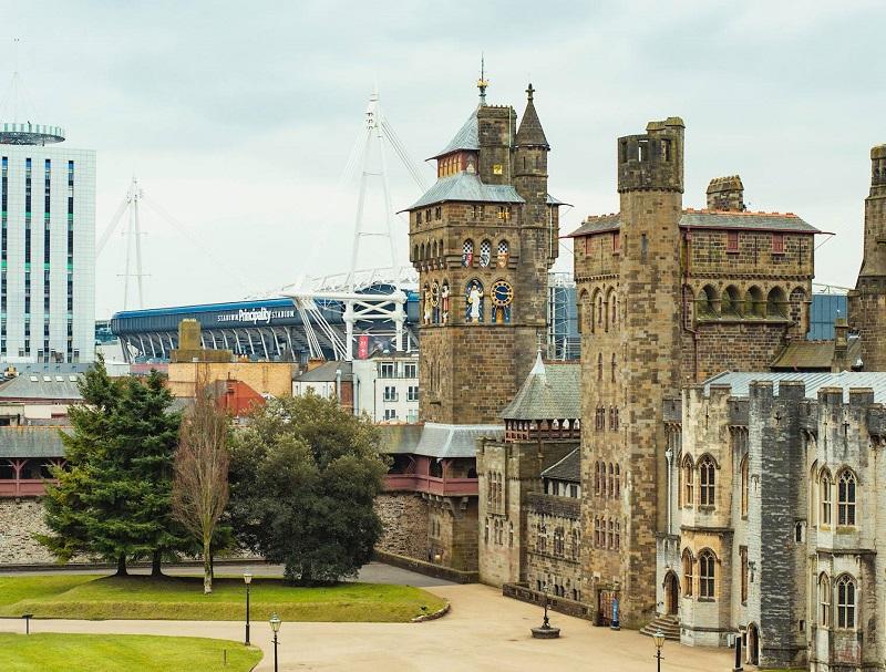 Le rugby est tellement présent dans cette province que le stade, l'ex-mythique Arms Park devenu Millenium Stadium, est planté en plein centre-ville de Cardiff - DR : Facebook Visit Wales