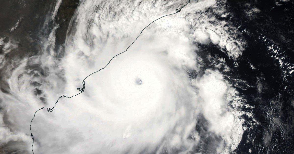 L'oeil du cyclone publié par cycloneoi.com  - DR