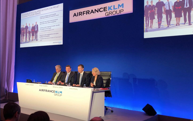 Benjamin Smith et la direction d'Air France-KLM s'attaquent aux liaisons court et moyens-courriers © DR