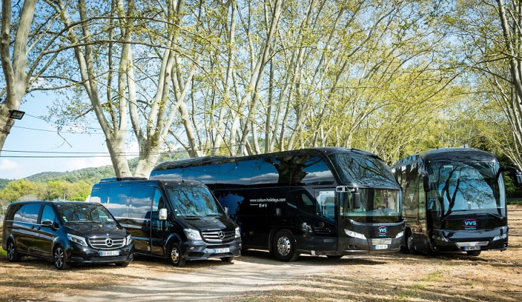 Minivan Mercedes Classe V (8 places), Minibus Mercedes Sprinter (13+3 places), Autocar Neoplan Cityliner (50 places) - nouvel Autocar Neoplan Tourliner (57 places) - DR Salaun