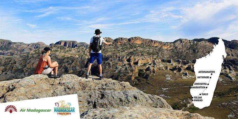 Le massif de l'Isalo sur la Route Nationale Numéro 7 - Copyright : ONTM