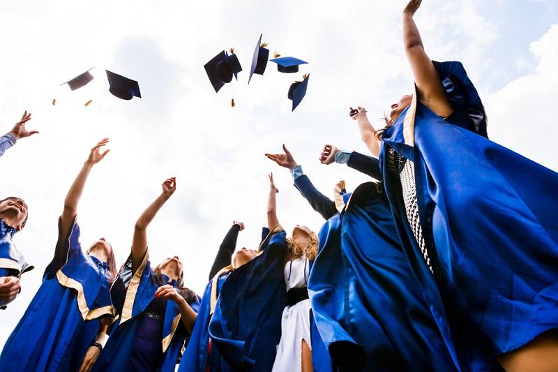 Accéder à un premier poste n'est pas chose aisée. Comment faire la différence sur le marché de l'emploi quand on est un jeune diplômé ? Quelques conseils de Karl Rigal, de Monster.fr - DR : Depositphotos