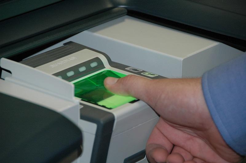 Saisie des données biométriques à venir - @WikimediaCommons