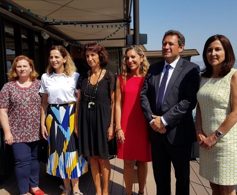 François Canson, président du CRT Provence-Alpes-Côte d'Azur entouré des directrices des comités départementaux du tourisme de la région - DR