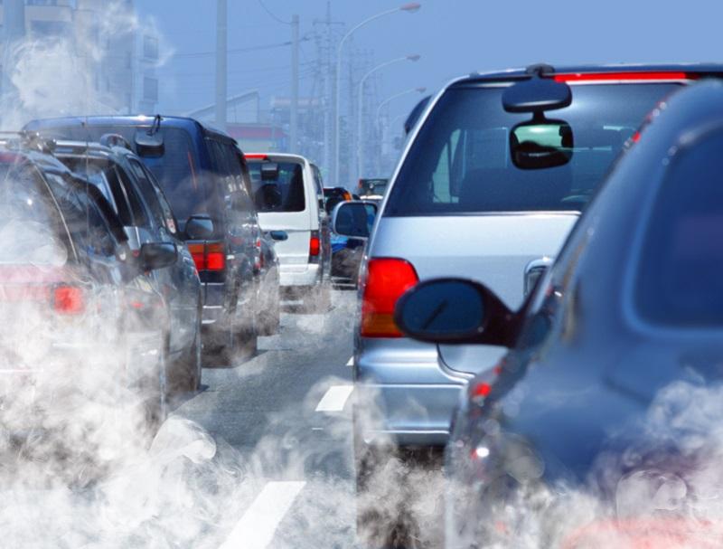 Les voitures des particuliers sont responsables de près d'un sixième de la contribution française au changement climatique (15,7 %) - Depositphotos.com
