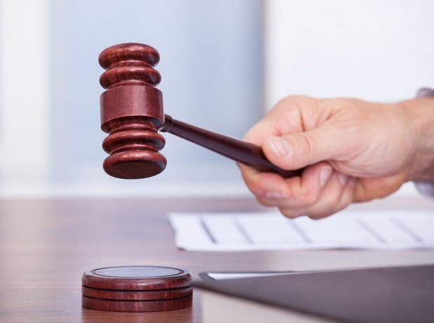 Le Conseil d'État a rejeté la demande des Entreprises du Voyage, du SETO et de l'APST de supprimer la responsabilité de plein droit des textes - DR : DepositPhotos, AndreyPopov