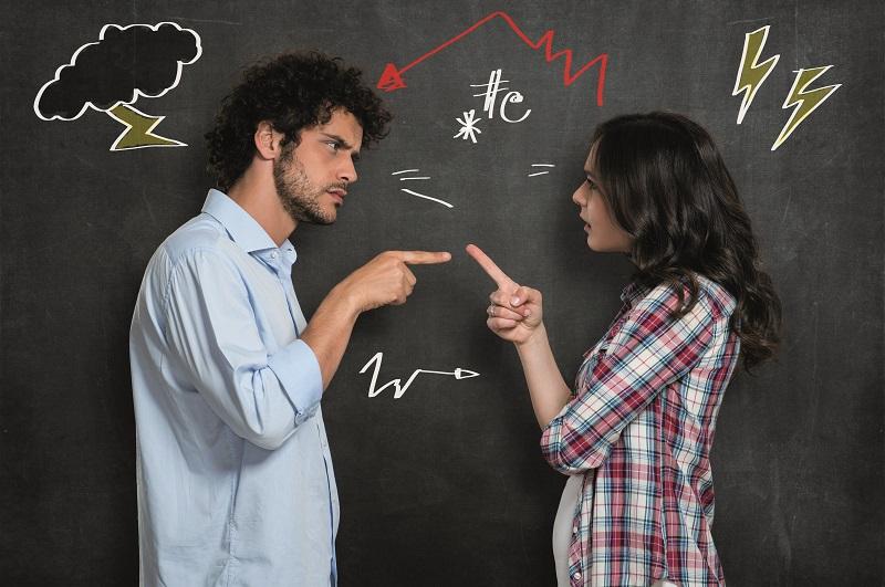 Comment réagir quand un client mécontent pousse la porte de votre agence ? Les professionnels de la formation et la médiation apportent leurs réponses - DR : DepositPhotos