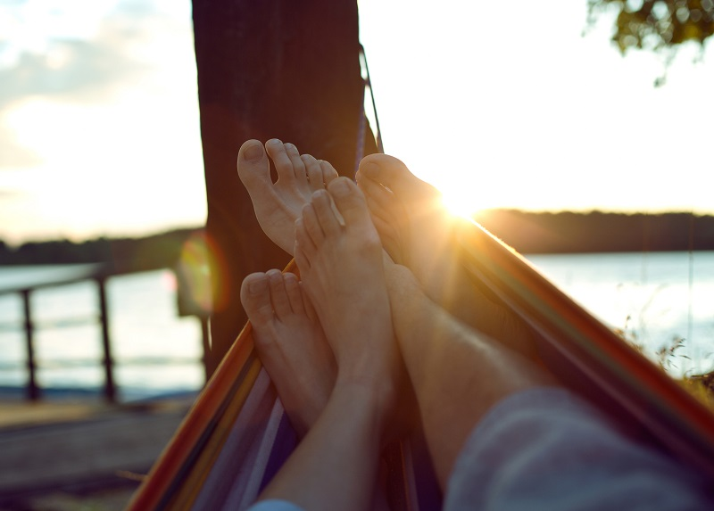 Le budget vacances est en hausse de 119€, soit +7 % à 1 787€ pour une famille de 4 personnes pour 10,5 jours en moyenne en hébergement payant en France (pas chez les parents et amis ou en résidence secondaire) contre 1 668€ l'an passé. Depositphotos.com kiuikson