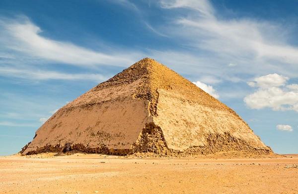 """Egypte : Kuoni est """"le 1er TO"""" à proposer la visite de la pyramide """"râtée"""" à Dahchour - Crédit photo : Kuyoni"""