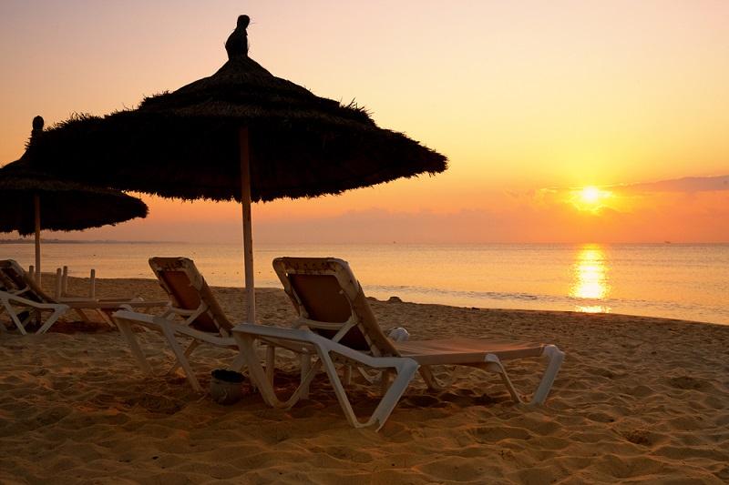 Les plages et le soleil tunisien ont attiré les touristes français cet été 2019. - Depositphotos