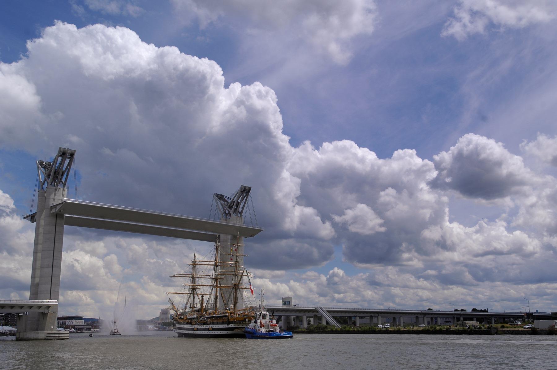 Le mois de juin, mois de l'Armada, a connu une hausse particulièrement significative avec +27% d'accueils qualifiés - Photo @RouenTourisme