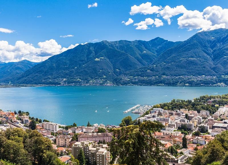 Vue de la ville de Locarno sur le Lac Majeur - Photo Depositphotos.com VogelSP