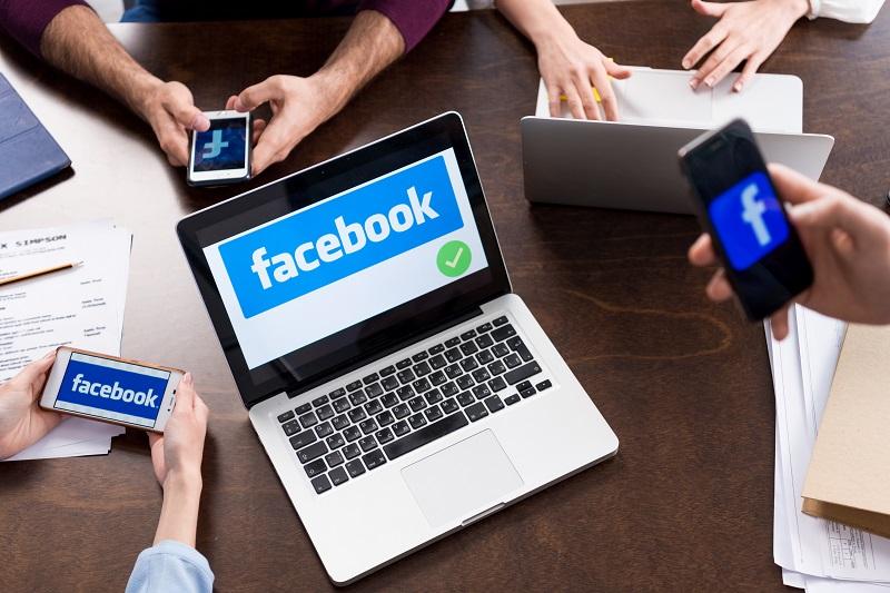 En France, les ados se détournent de Facebook et quelle sera la version payante du réseau social ? - Crédit photo : Depositphotos @TarasMalyarevich