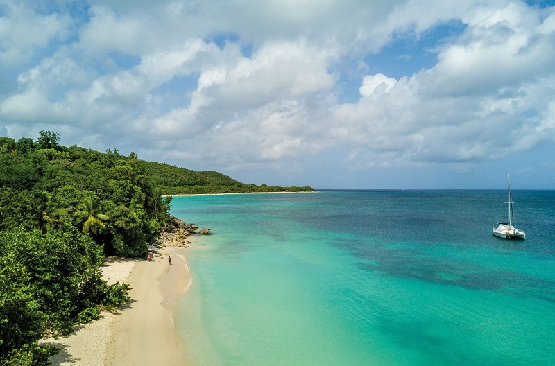 En 2019, Exotismes lance deux autotours en Guadeloupe. ici, la plage Vieux fort à Marie-Galante. - DR Guillaume Aricique
