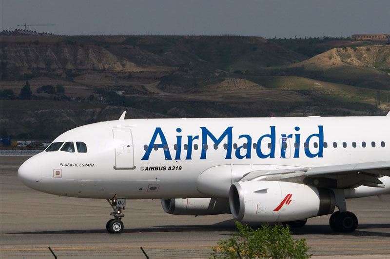 Air Madrid, (2003-2006) de triste mémoire, avait laissé 120 000 passagers au sol... - crédit photo Wikicommons