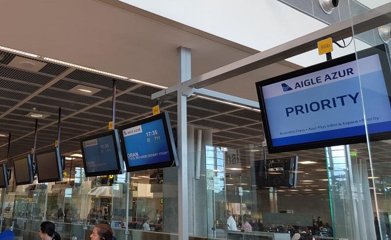 Ce vendredi, le vol vers Oran prévu à 12h25 est retardé à 17h35 - DR : CE