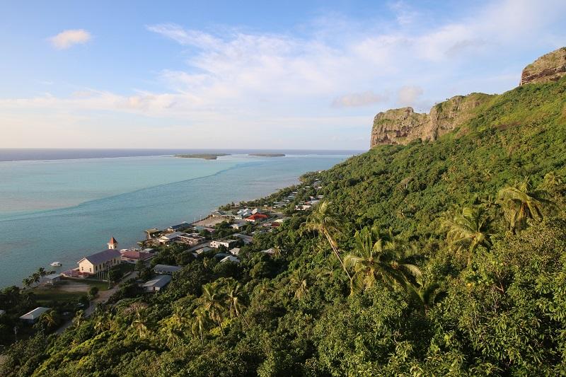 Impossible au cours d'un seul voyage de visiter l'ensemble de la Polynésie française. En choisissant Tahiti, Rangiroa et Maupiti, vous accédez en revanche à trois îles uniques et différentes, soit un excellent combiné pour ressentir le Mana, l'esprit polynésien… - DR : J.-F.R.