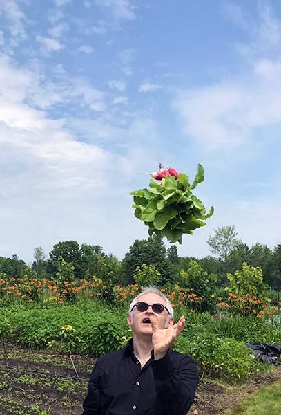 Dans les projets d'agriculture que je suis en train de monter avec mon fils, qui va piloter, cette première Ferme du Perche, nous allons produire la même quantité de légumes qu'une ferme « chimique » pour 8 fois moins d'énergie - © Jean Imbert