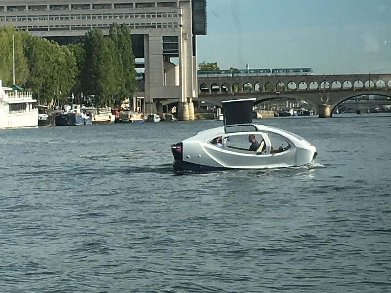 Les « taxis-volants » de SeaBubbles suivent une nouvelle phase de tests du 16 au 19 septembre 2019. Si celle-ci est concluante, une exploitation commerciale pourra être envisagée au printemps 2020. Paris Expérience Group sera le premier opérateur de ces embarcations 100% écologiques. - CL