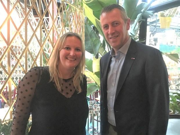 Mélanie Lemarchand, responsable de Lidl Voyages et Michel Biero, directeur exécutif achats et marketing Lidl France - DR : C.L.
