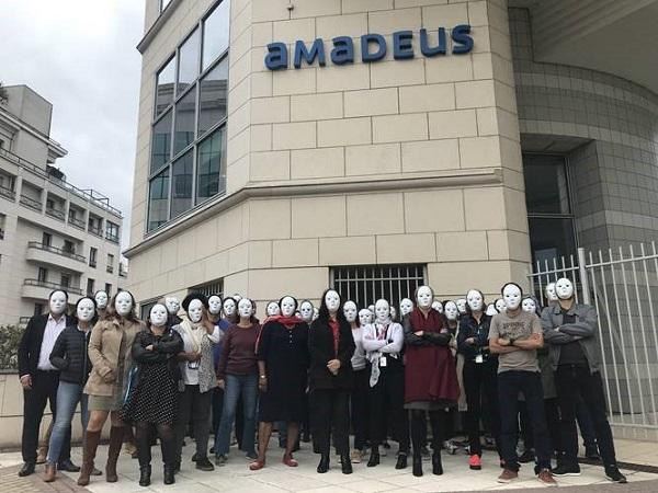Les salariés du siège d'Amadeus France ont décidé de mener une action pour alerter la direction sur l'absence de réponses à leurs interrogations - DR