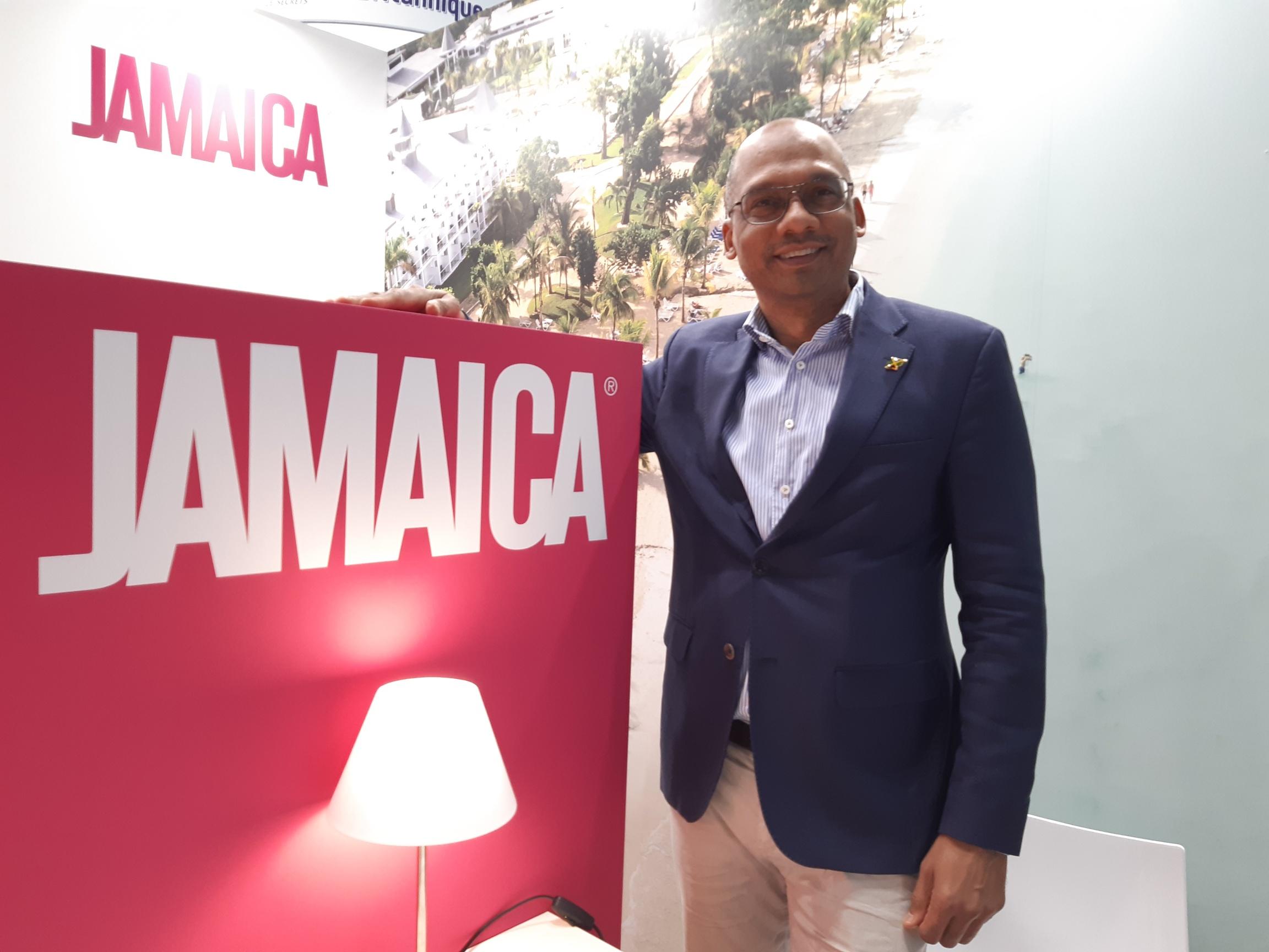 Gregory Shervington sur l'espace Jamaïque du salon IFTM Top Resa - DR : M.S.
