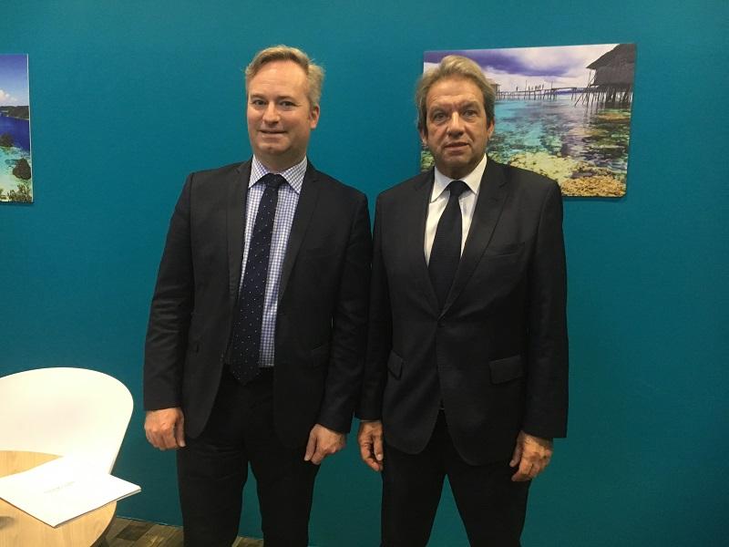 Jean-Baptiste Lemoyne, secrétaire d'Etat en charge du tourisme et Georges Rudas, président de l'Institut français du tourisme au salon IFTM Top Resa le 2 octobre 2019. - CL