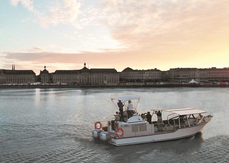 Depuis juin 2018, Pierre Creuzé, le patron de 3B Voyages, propose des croisières à la journée sur un navire qu'il a fait construire - DR : BordeauxBeBoat