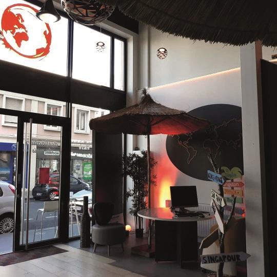 Le Goût du Voyage accueille un bar au rez-de-chaussée, qui sert toutes sortes de boissons du monde - DR : Le Goût du Voyage