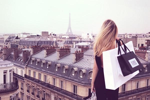 En Île-de-France, près de 26 millions de visiteurs effectuent chaque année des achats de biens durables - DR : Paris Shopping Tour