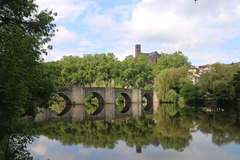 Pour ceux qui veulent découvrir le bas de la ville et les bords de Vienne, cap sur Le Pont Saint-Etienne - DR : J.-F.R.
