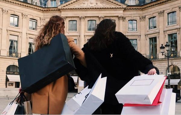 """Paris Shopping Tour propose """"In Door Shopping Tour"""" un nouveau service à destination des hôtels et Palaces parisiens - Crédit photo : PST"""