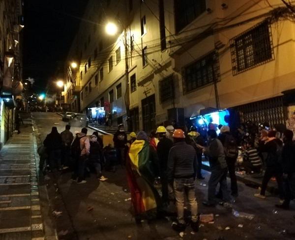 Un appel au blocage des postes-frontières de Tambo Quemado (vers le Chili) et Desaguadero (vers le Pérou) a été lancé pour le 7 novembre 2019 - Crédit photo : compte Twitter @Al_Campaignolle