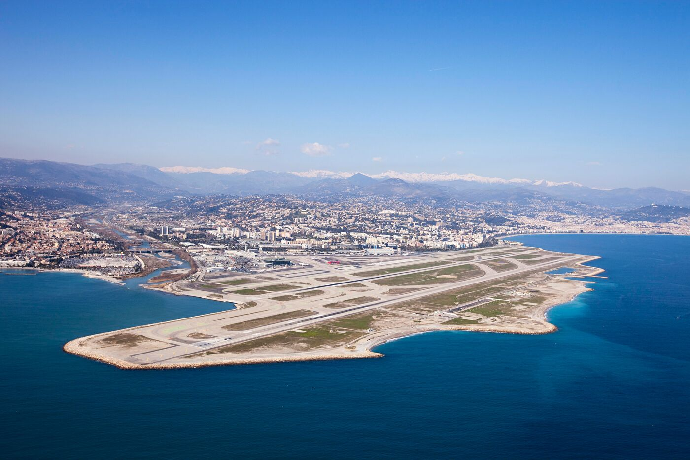 Nice-Côte d'Azur, premier aéroport non-parisien en France fait partie des signataires du  NetZeroCarbon2050 © Nice-Côte d'Azur