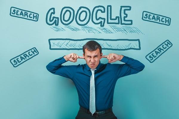 Quand Google pousse ses propres produits, les géants du travel flanchent