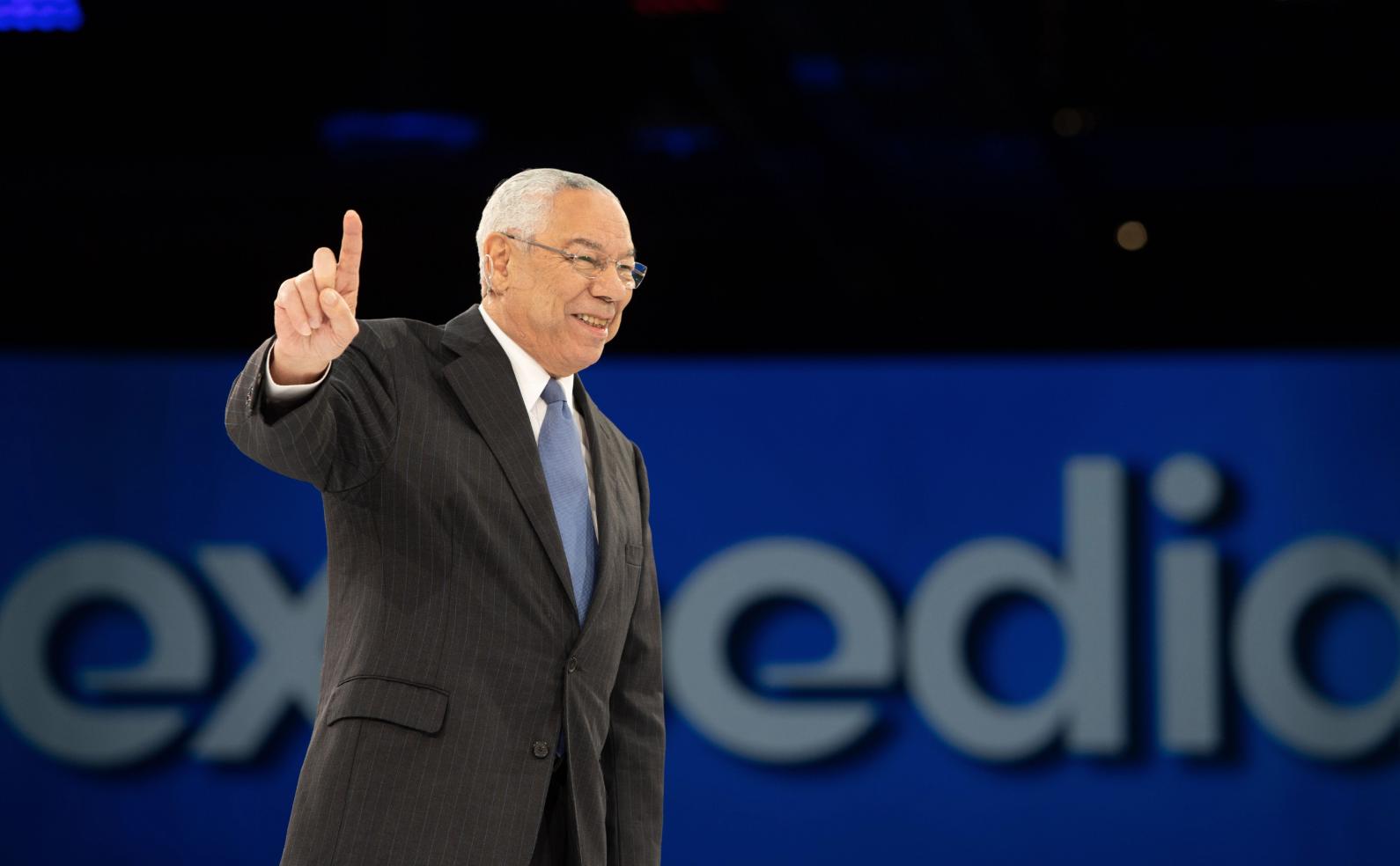 Colin Powell, l'ex secrétaire d'Etat américain, a fait se lever les 3000 participants à l'Explore 2019 © Expedia