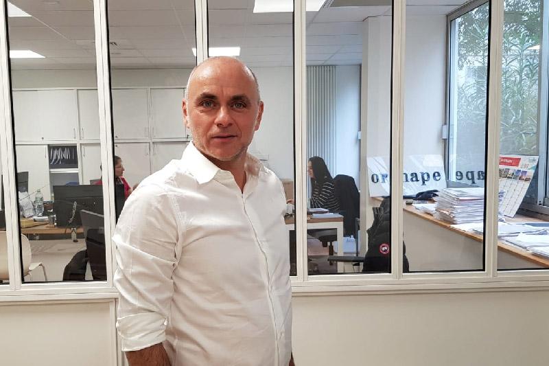 Romain Cluis, PDG d'Orsud au sein de l'agence située rue Paradis à Marseille - Photo CE