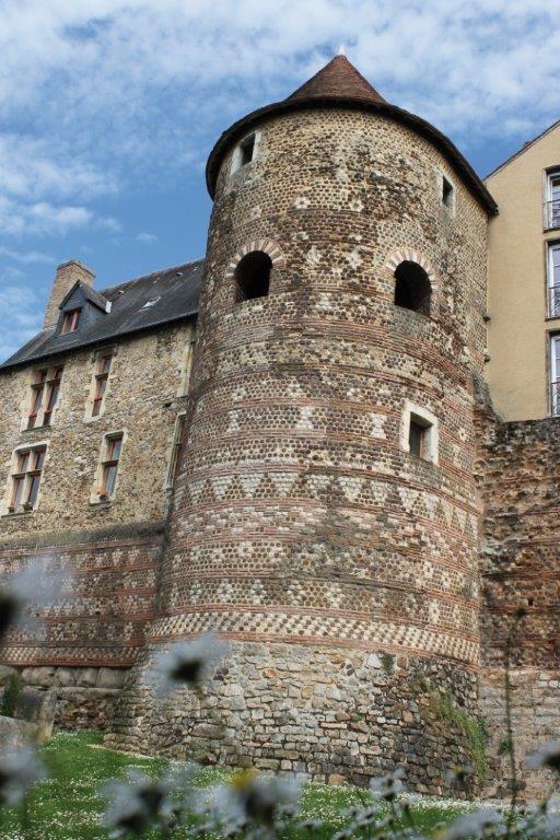 La tour du vivier sur l'enceinte de la ville - DR : tourisme et patrimoine