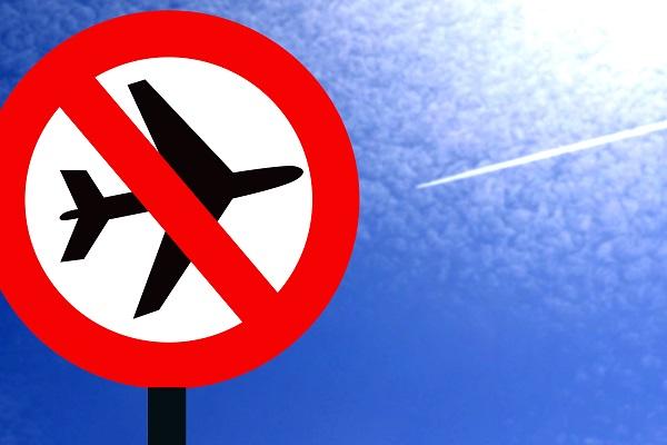 115 compagnies aériennes au total font l'objet d'une interdiction d'exploitation dans l'Union européenne -  Depositphotos @vlerijse