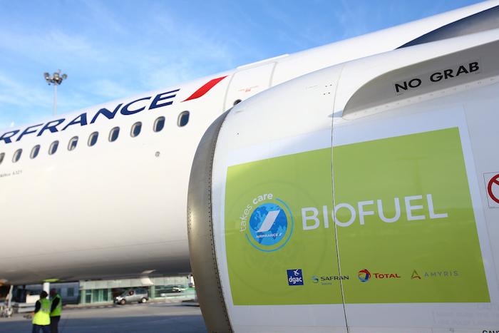 Il existe actuellement trois types de biocarburants : ceux à base d'huiles végétales et d'huiles recyclées, ceux à base de déchets urbains ou de résidus agricoles, et ceux basés sur la fermentation de sucre, de maïs ou de betterave © Total