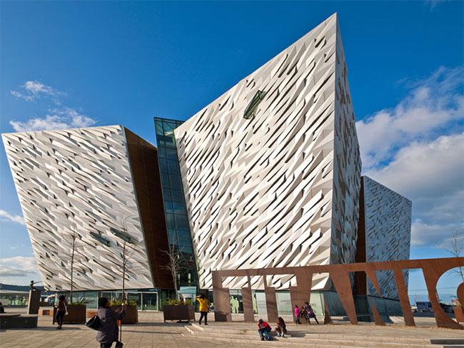 Titanic Belfast Experience entièrement dédié au Titanic Co. Antrim Irlande du Nord  - Copyright Tourisme Irlandais