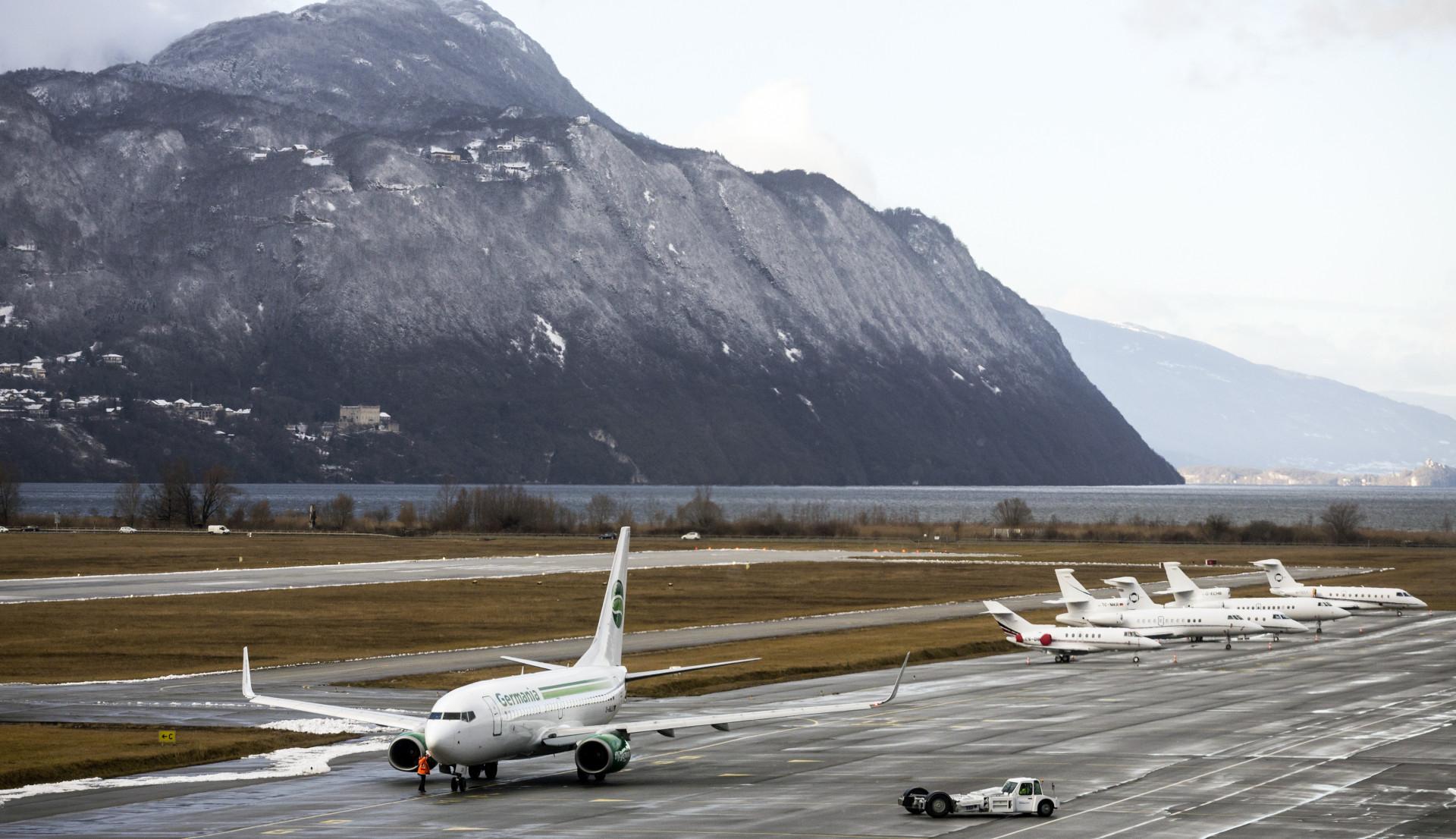 Parmi les aéroports français les plus concernés par le trafic britannique : l'aéroport de Chambéry-Savoie Mont Blanc © Vincy Concessions