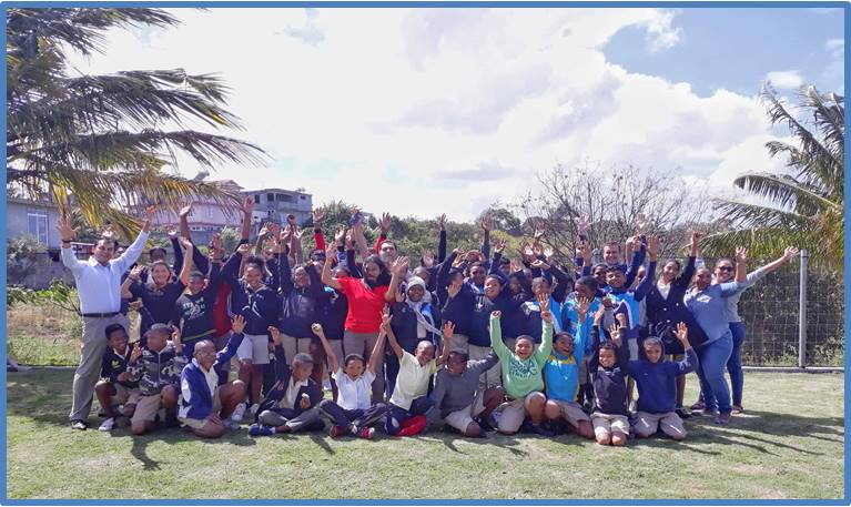 L'Outrigger Mauritius Beach Resort aide l'ONG Atelier de Formation Joie de Vivre, centre pour l'éducation des enfants défavorisés, qui sont exclus du cycle éducatif primaire classique, tout au long de l'année à fournir petit-déjeuner et déjeuner quotidiens à une soixantaine d'enfants - DR : Outrigger Resorts