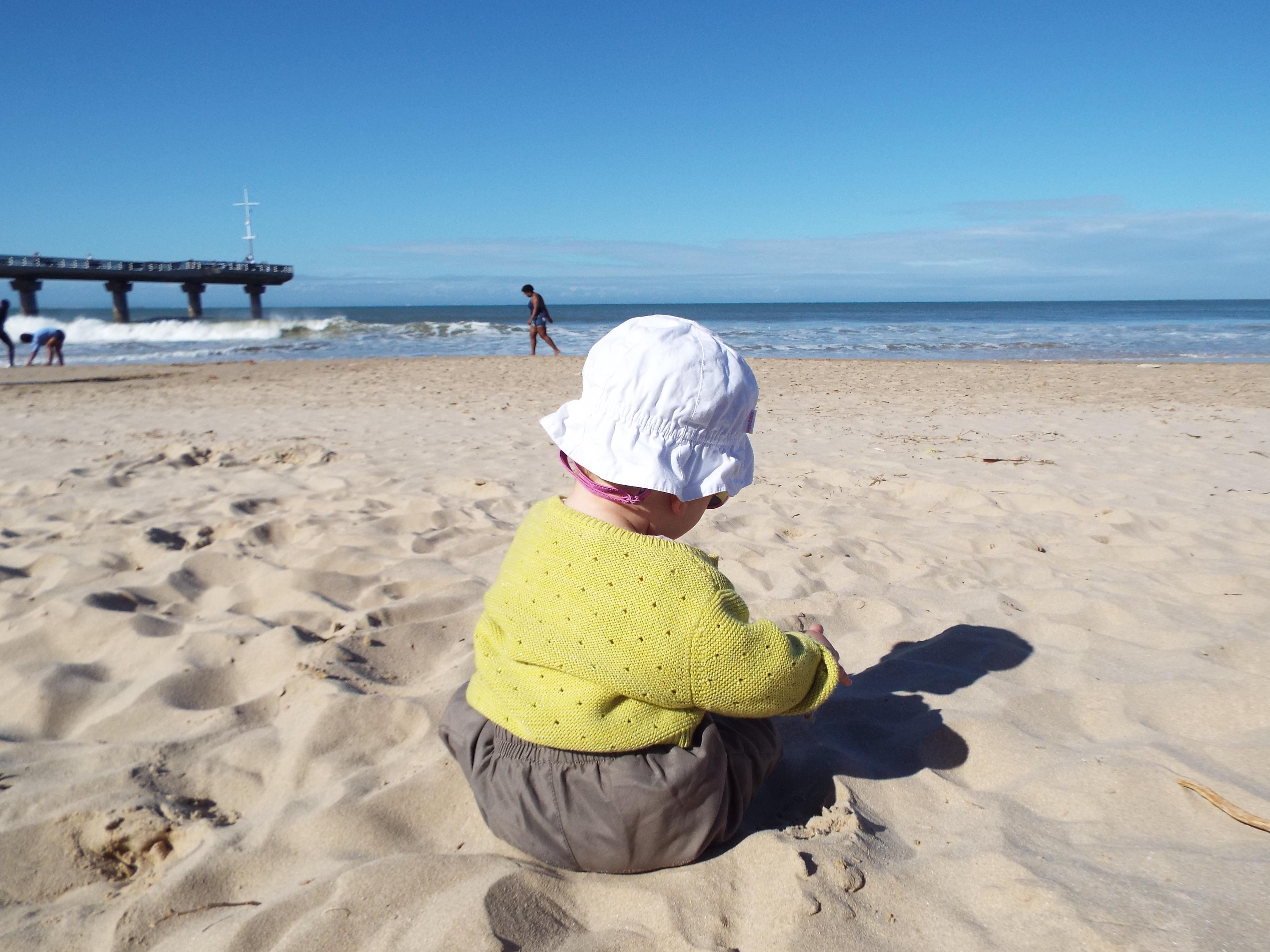 Nous optons principalement pour des activités à la plage, nature et animaux. La durée des activités n'est jamais très longue mais notre fille découvre de nouveaux environnements. Nous la voyons heureuse. / crédit photo  Amandine Deslangles et Clément Pilchen