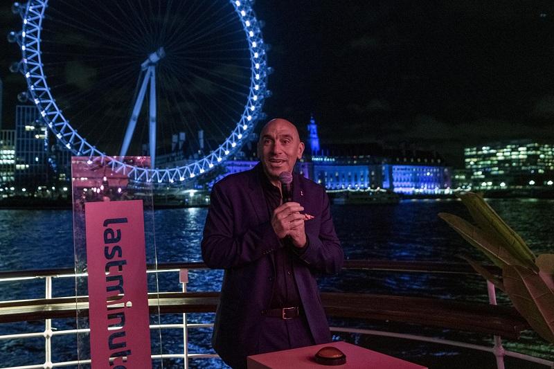 Lastminute est devenu le 19 février 2020 le sponsor officiel du London Eye, la grande roue emblématique de Londres. Ici, Marco Corradino, directeur exécutif de Lastminute.com, lors du lancement de ce partenariat - DR : LastMinute
