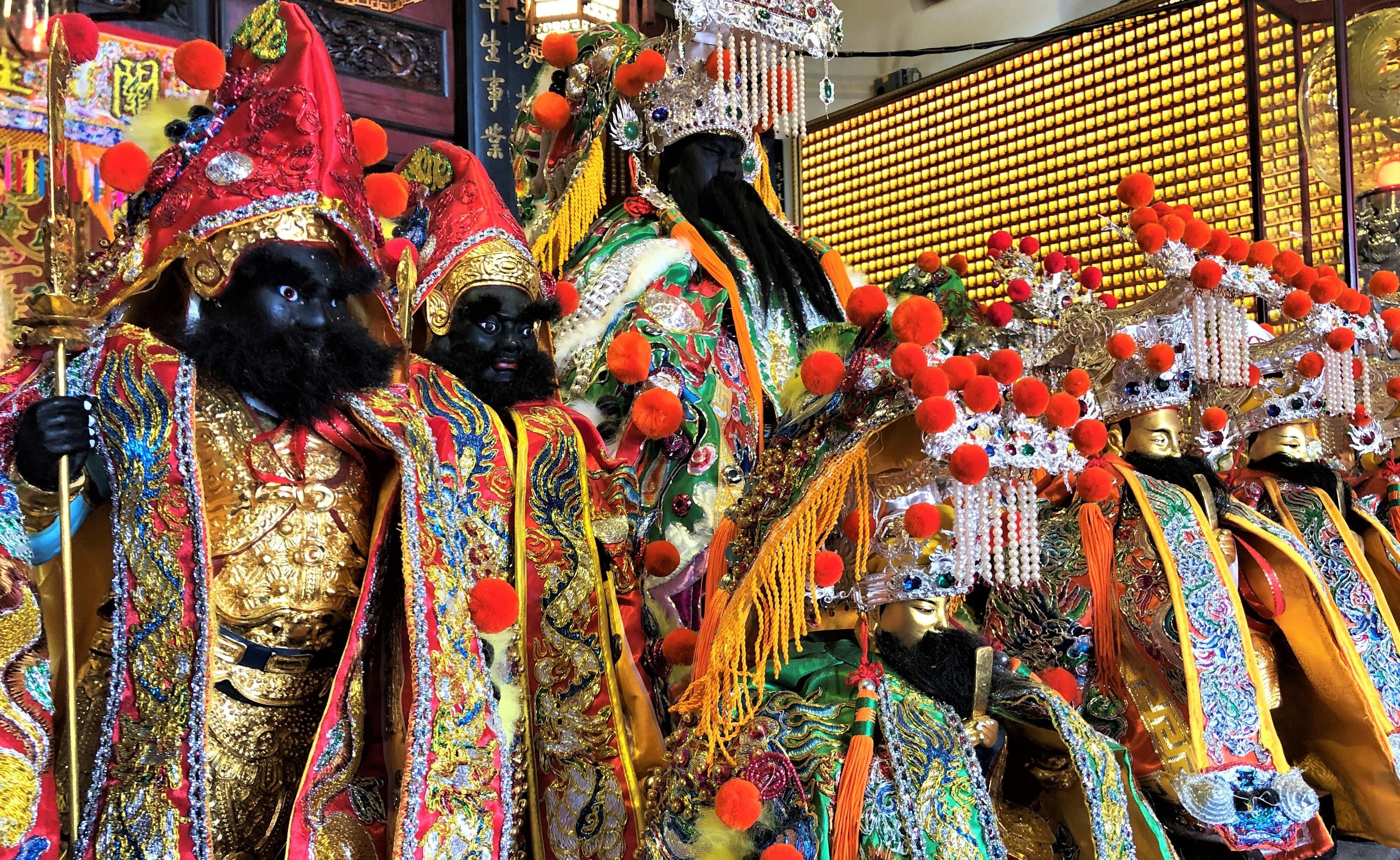 La ville où a vu le jour le premier temple-école confucianiste bâti en 1665, a gardé intacts ses rites taoïstes et fourmille de temples. On en recense plus de… 300 ! /crédit photo JDL