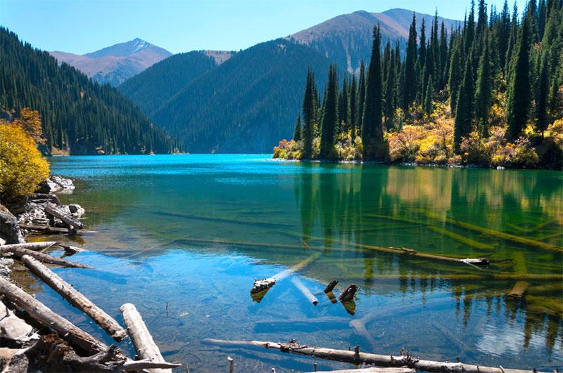 Lac Kolsay, à proximité d'Almaty, Kazakhstan