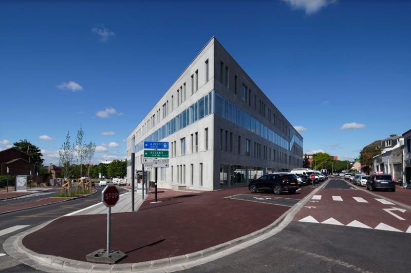 Booking.com a inauguré en octobre 2019 le plus grand centre européen de service clients, à Tourcoing, capable d'accueillir jusqu'à 850 personnes. – DR : Booking